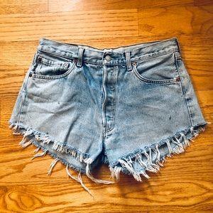 Levi's Distressed Shorts Size 29